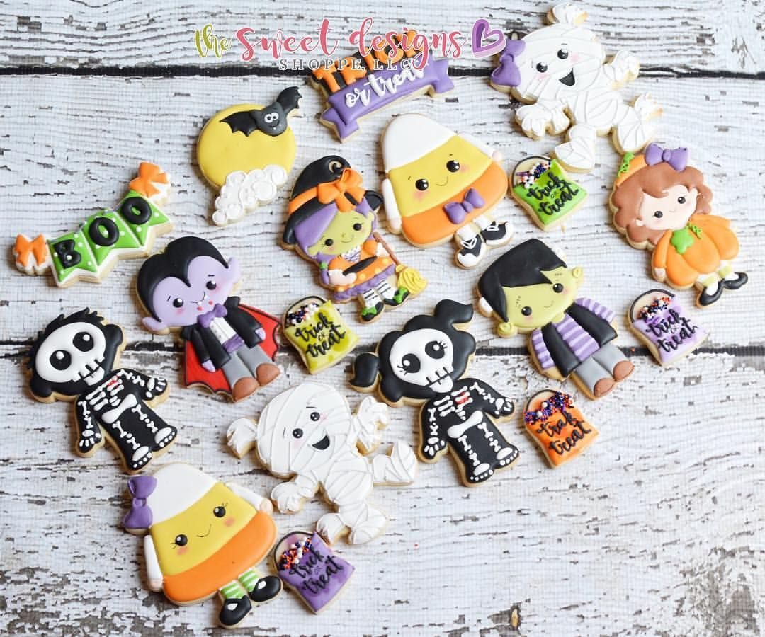 316 Likes, 11 Comments - Judit Reding (@thesweetdesignsshoppe) on - Halloween Decorated Cookies