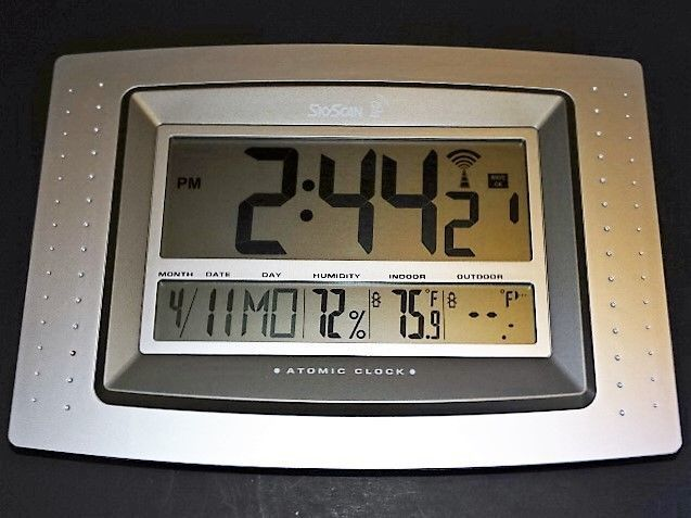 Skyscan Atomic Clock With Temperature Transmitter Time