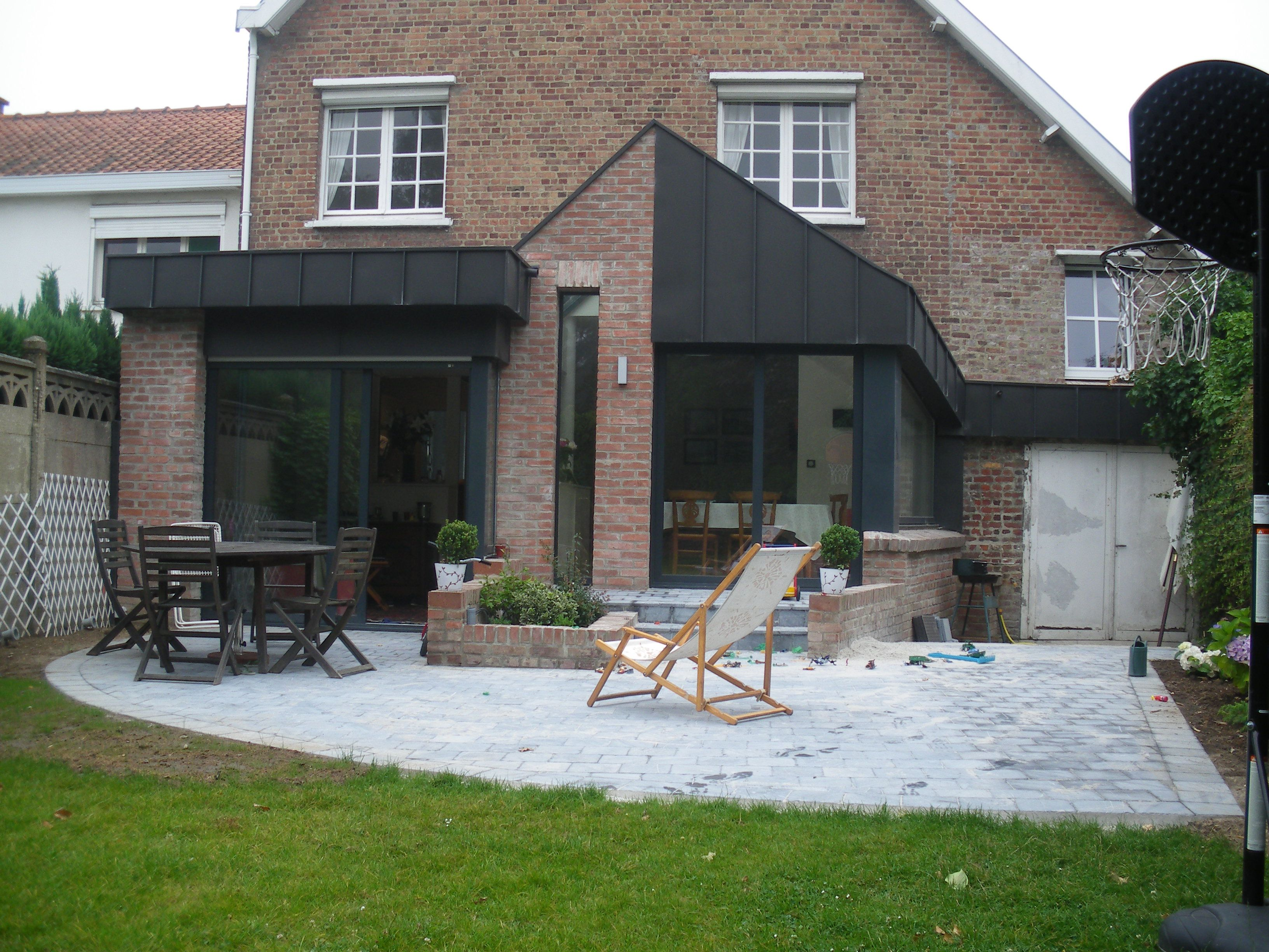 Briques zinc noir extension maison pinterest for Extension maison