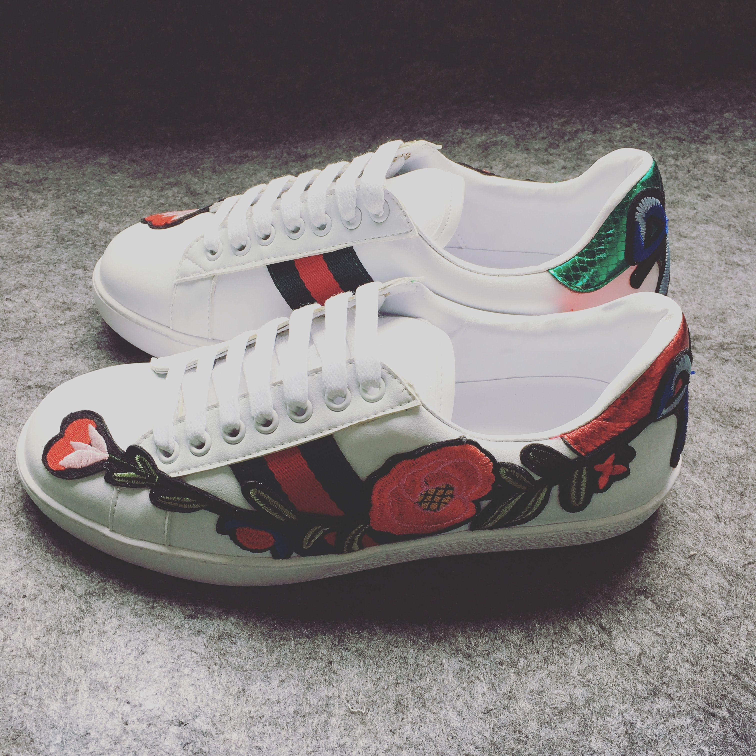 Flowers blooming on white shoescustomshoes custom chuck taylor flowers blooming on white shoescustomshoes mightylinksfo