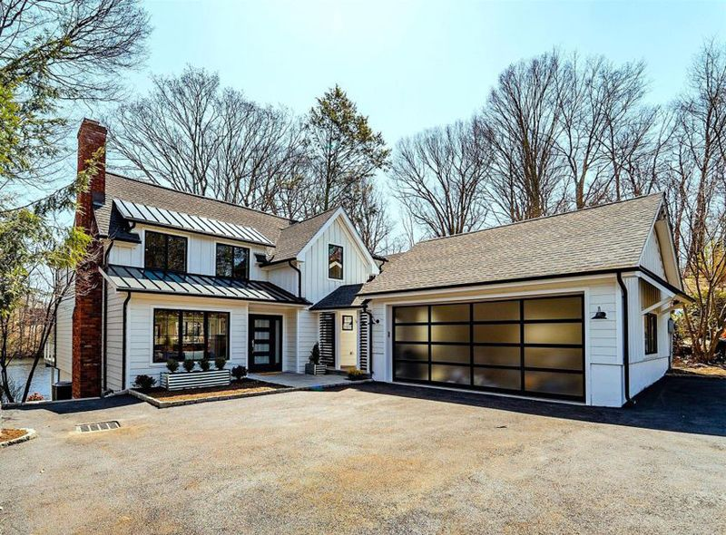 Brown Roof Black Gutters White Fascia And Trim Same Color As Siding Black Wi Modern Farmhouse Plans Layout Modern Farmhouse Exterior Modern Farmhouse Plans