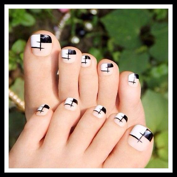 modified French pedicure | DECORADOS | Pinterest | Diseños de uñas ...