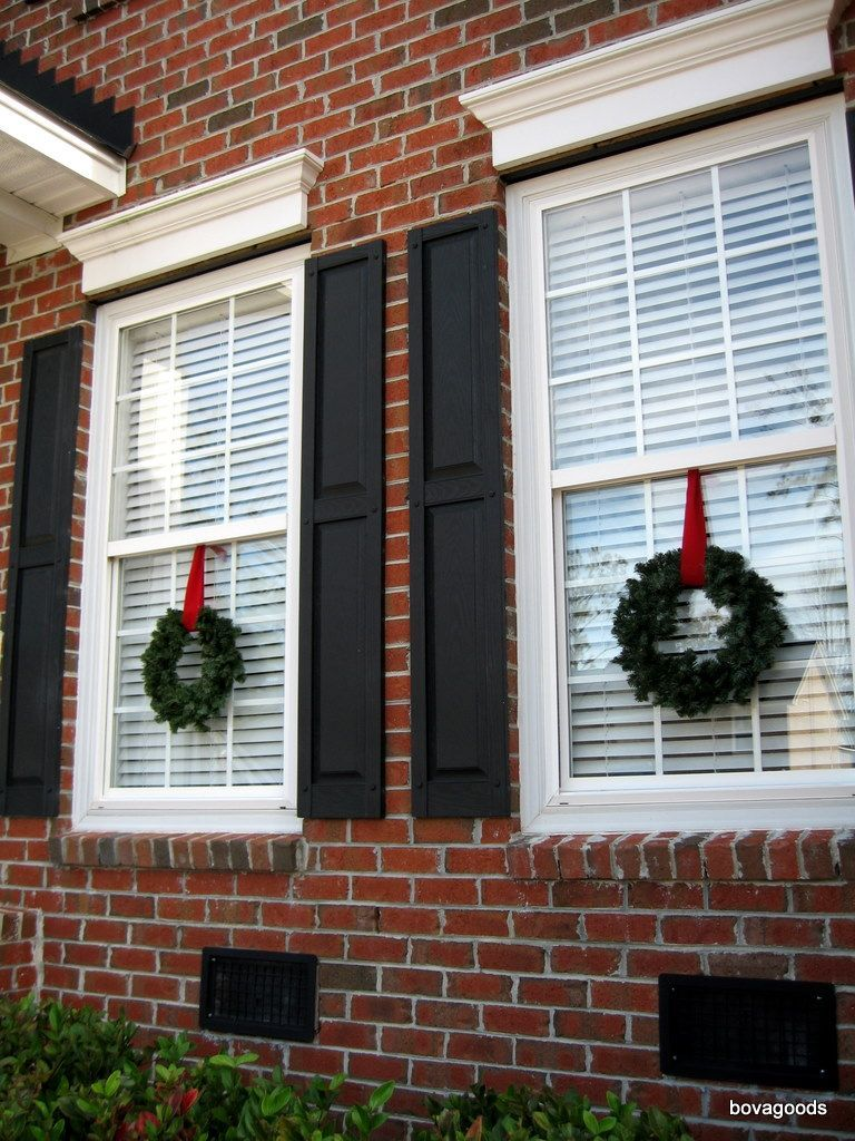Image Result For Lit Up Wreath With Candles In Window Exterior Christmas