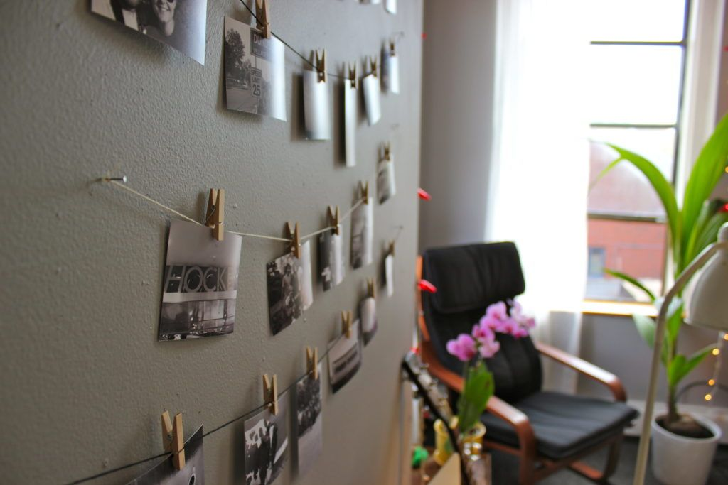 10 Creative Ways To Hang Photos Without Frames Photo