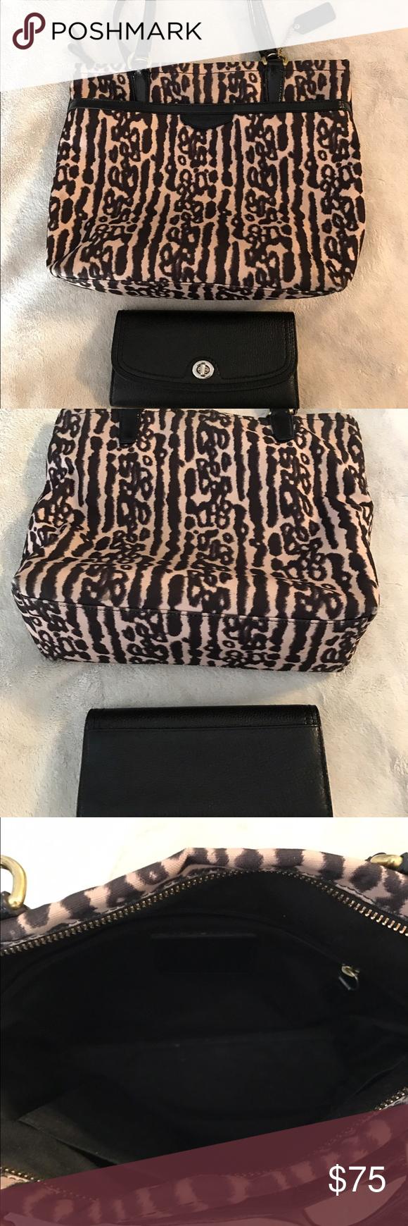 478548d1e2 free shipping used coach purse and wallet 25fa7 9a6a5
