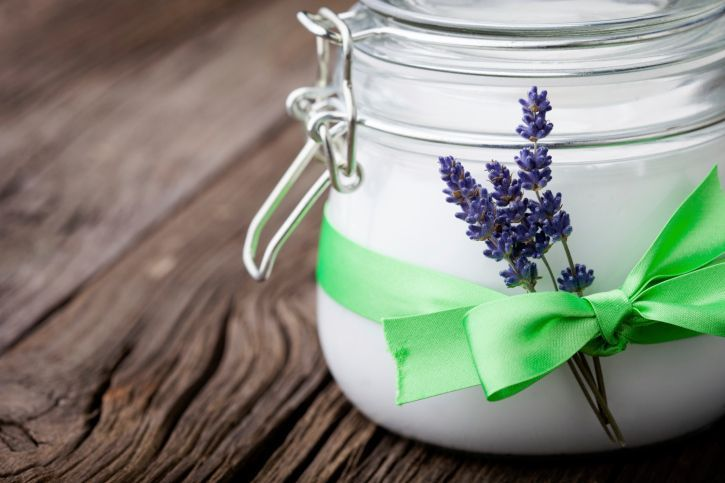 and lavender butter 3 tablespoons coconut oil 7 drops lavender oil 12 drops tea tree oil Mix all ingredients in a small jar or bottle (preferably one that can be sealed off so you can use your mixture later). Apply a small amount to affected area after shaving, waxing or any hair removal and rub in until it absorbs. Watch your ingrown ha...