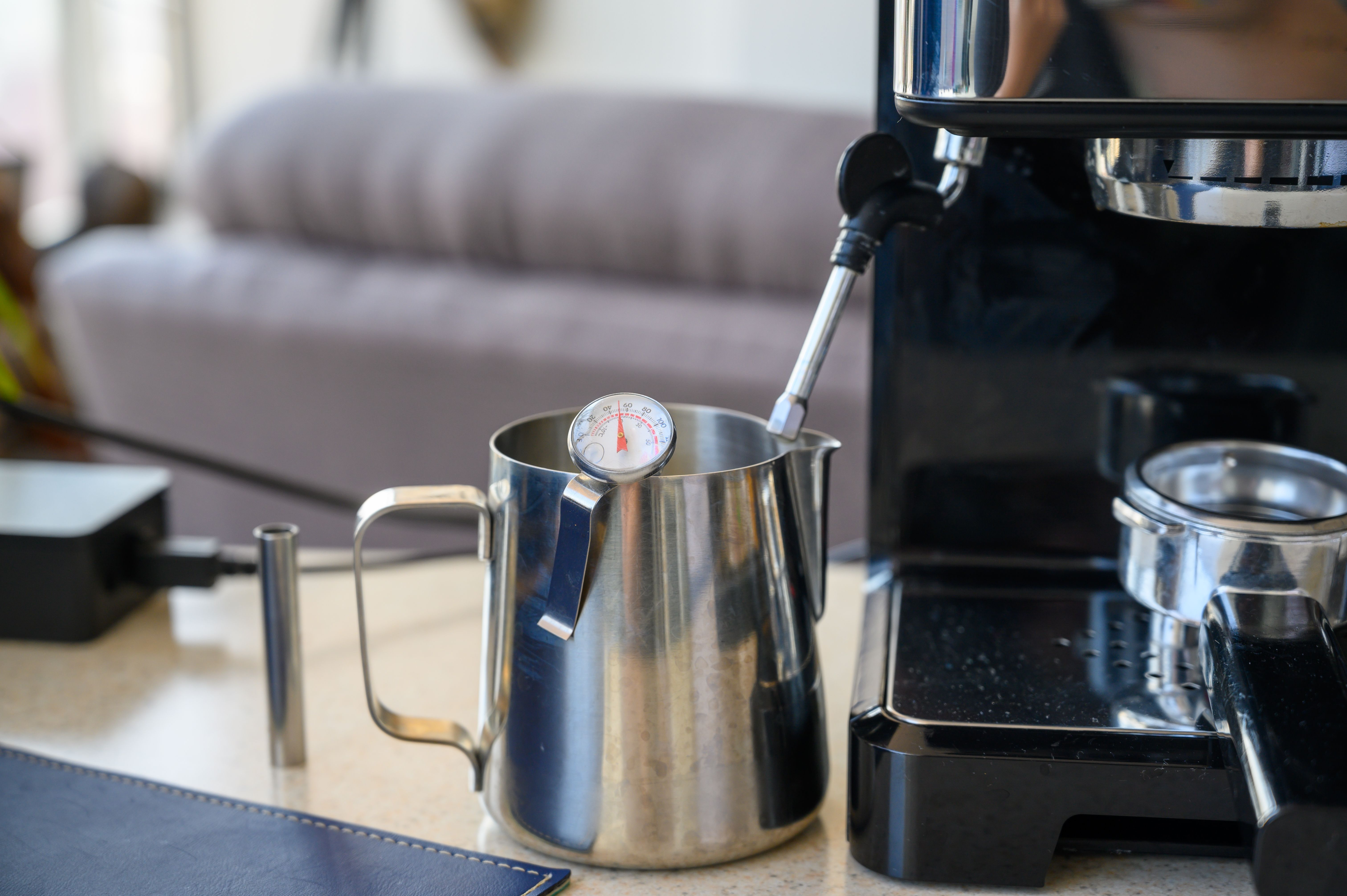 How To Clean An Espresso Machine With Vinegar Hunker In 2020 Espresso Best Espresso Machine Espresso Machine