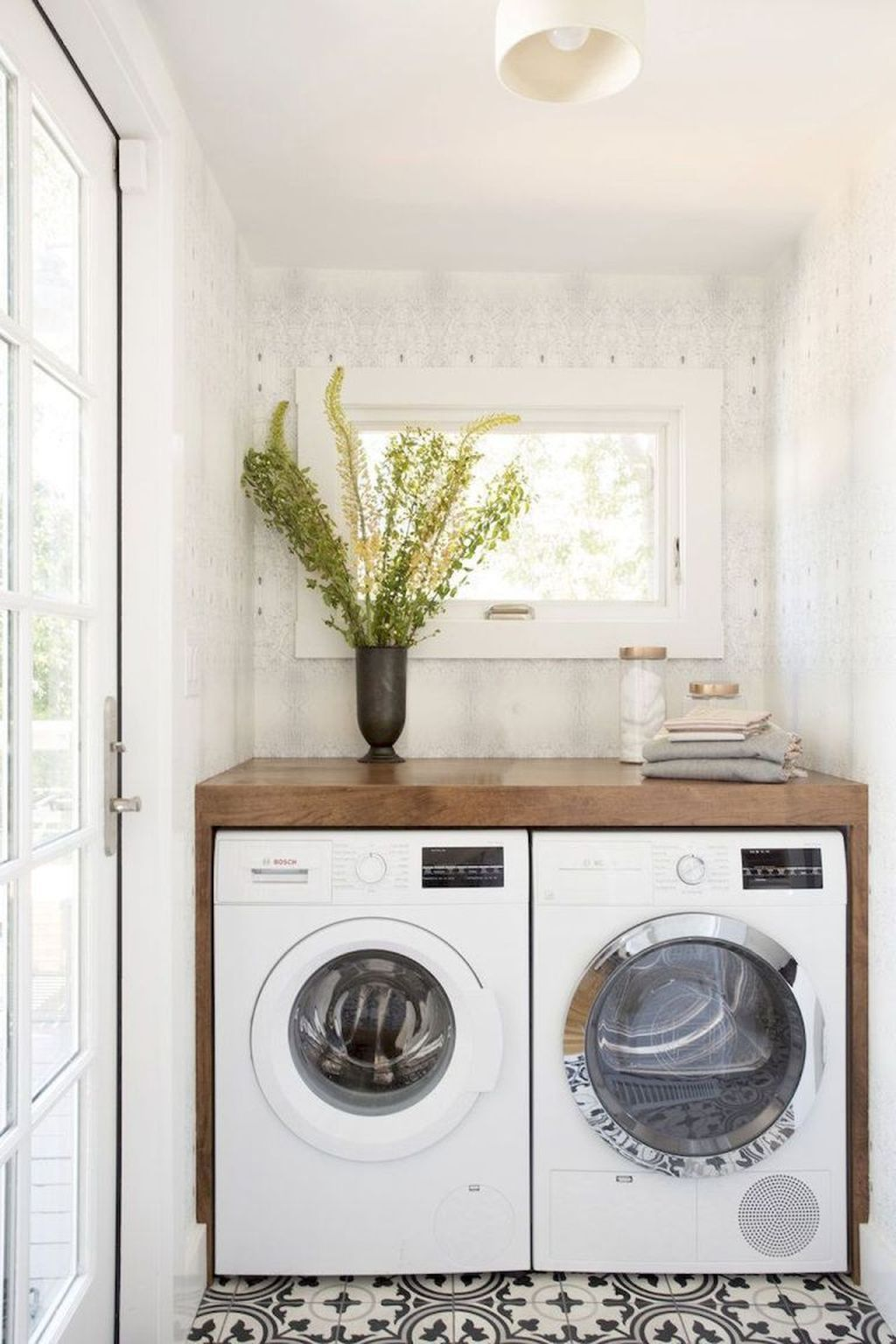 32 Stunning Small Laundry Room Design Ideas Popy Home White Laundry Rooms Laundry Room Small Laundry Room Makeover
