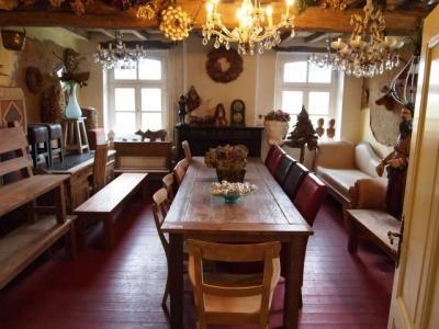 Sfeerimpressie woonkamer | Eetkamertafel Eiken | Pinterest