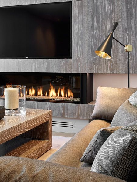 Una casa familiar con terraza y mucho dise o televisor - Muebles de salon con chimenea integrada ...