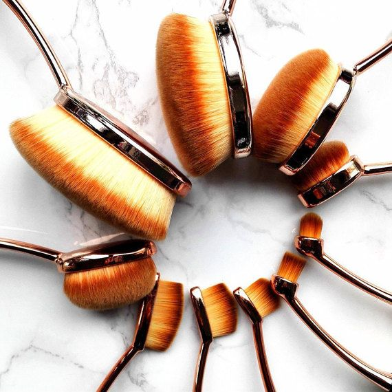 Maquillage Oval 10 Piece Brush Sets by LeMaquillage on Etsy