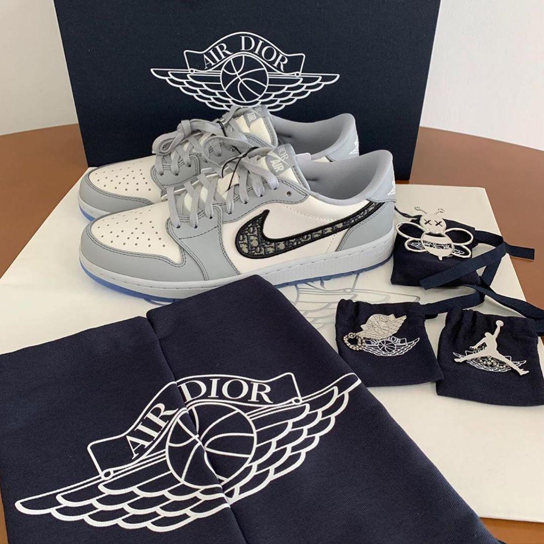 "Sótano jugo inflación  1,604 Likes, 51 Comments - Sole Avenue PH (@soleavenue.ph) on Instagram:  """"AIR DIOR - PREORDER"" Nike Air Jordan 1 Low x…   Jordans sneakers mens,  Air jordans, Dior"