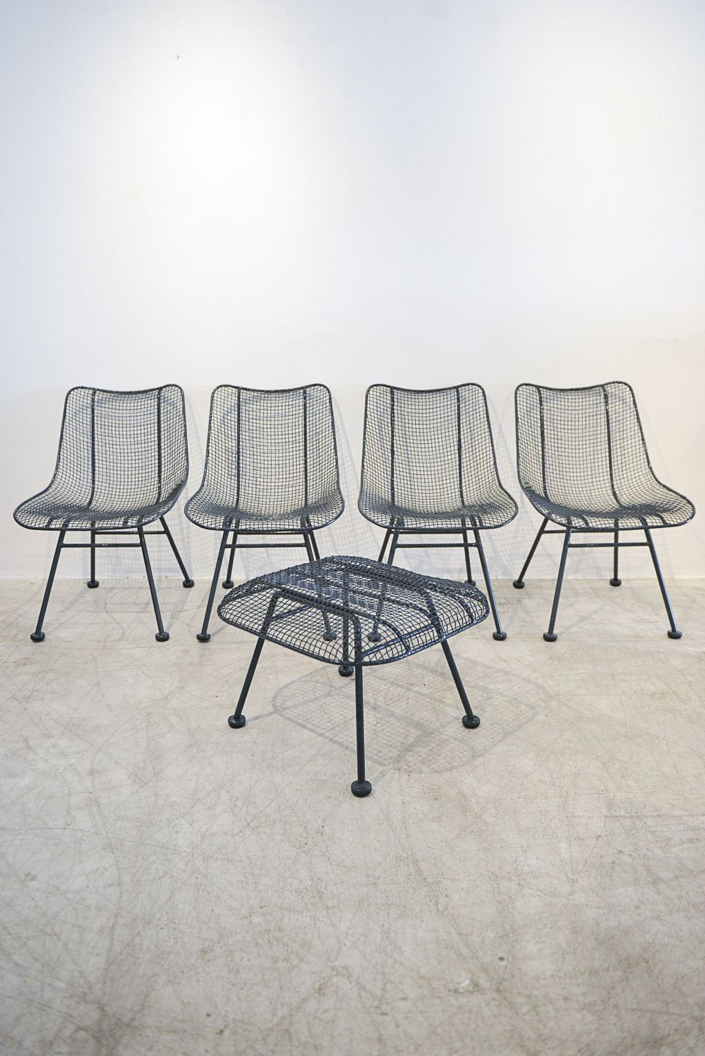 set of 4 russell woodard sculptura patio chairs with matching