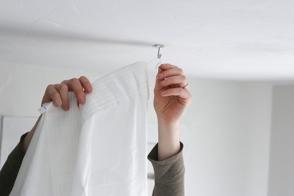 how to hang a canopy from the ceiling