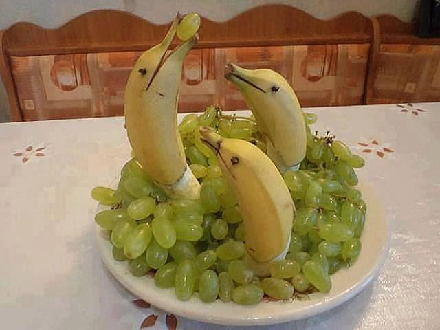 Mutlu bir meyve tablosu :))