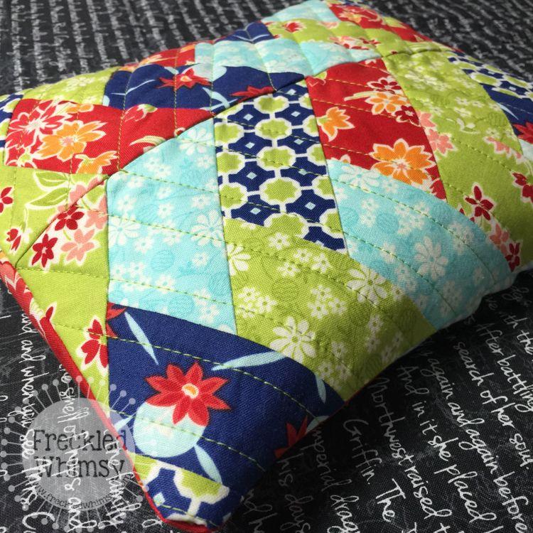 Handmade Holidays Blog Hop Cojines