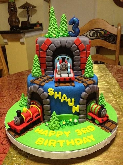 Thomas the tank engine cake, via Flickr.