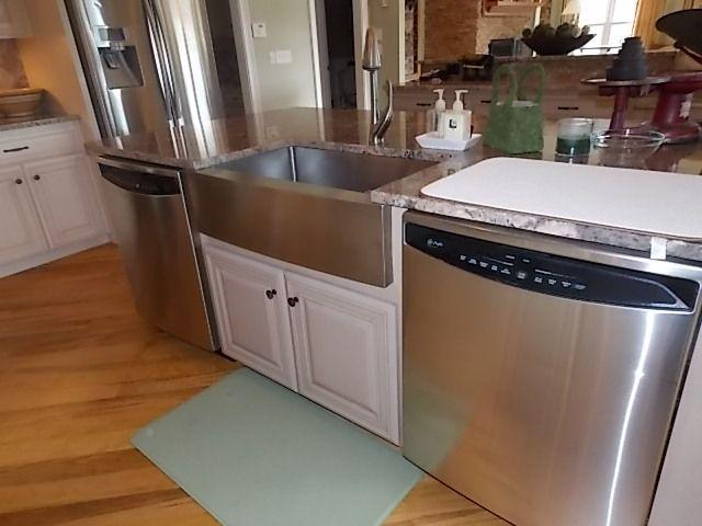 An Island With 2 Dishwashers New Kitchen Kitchen Kitchen Cabinets