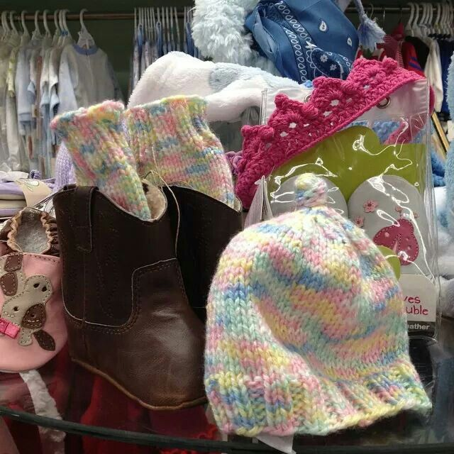 Baby boot cuffs and matching hat at the MM.