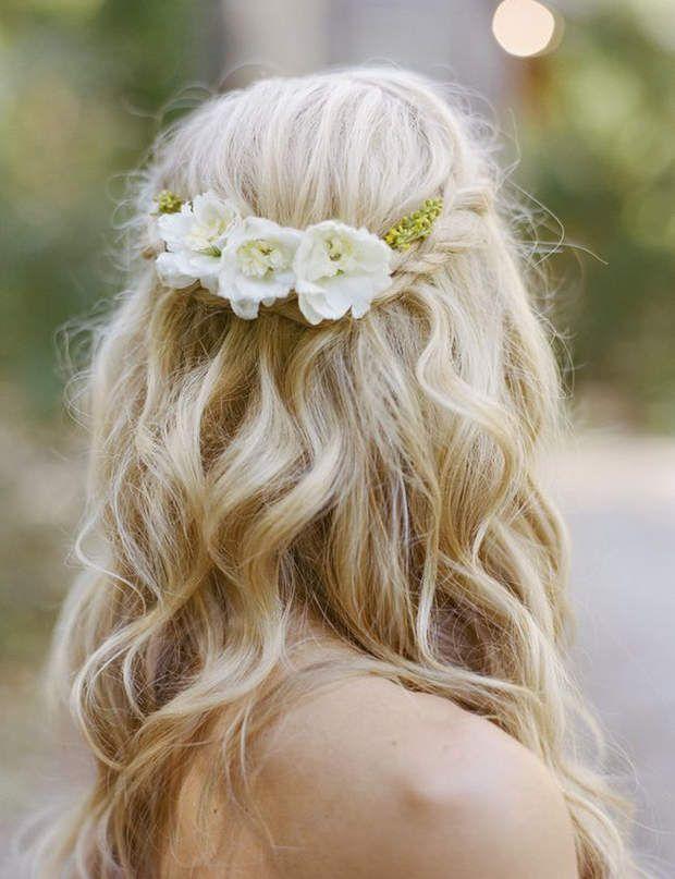 Une natte sophistiqu e coiffures de mari e les tendances de 2015 coiffures mariage et - Coiffure semi attache ...