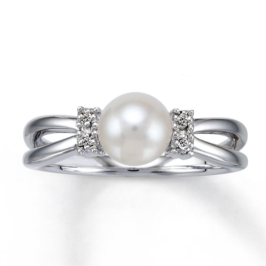 I need this pearl wedding ring pearl and diamond ring
