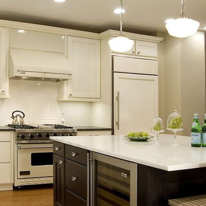 THIS is how you do white appliances | Beige kitchen, Beige ...