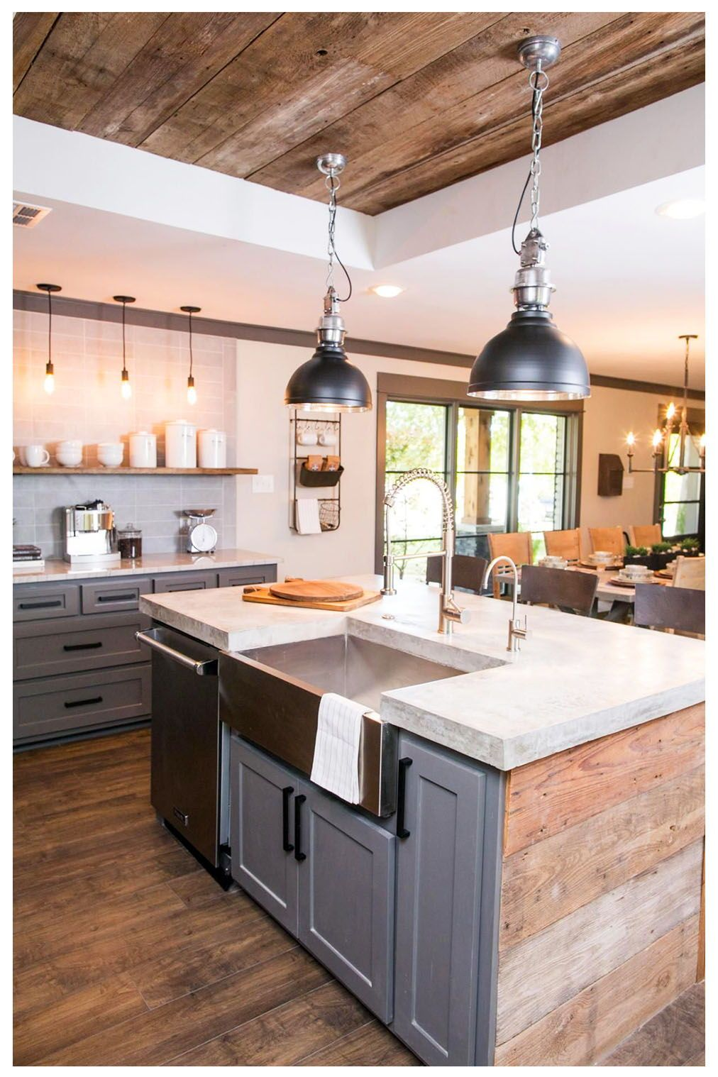 20 Inspiring Traditional Kitchen Design Ideas How To Element Design In 2020 Farmhouse Kitchen Design Farmhouse Style Kitchen Rustic Farmhouse Kitchen