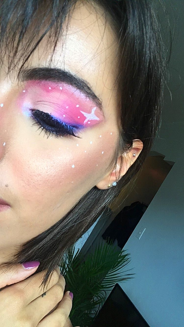 Galaxy Cloud Makeup Look Galaxy Makeup Makeup Tutorial Eyeliner