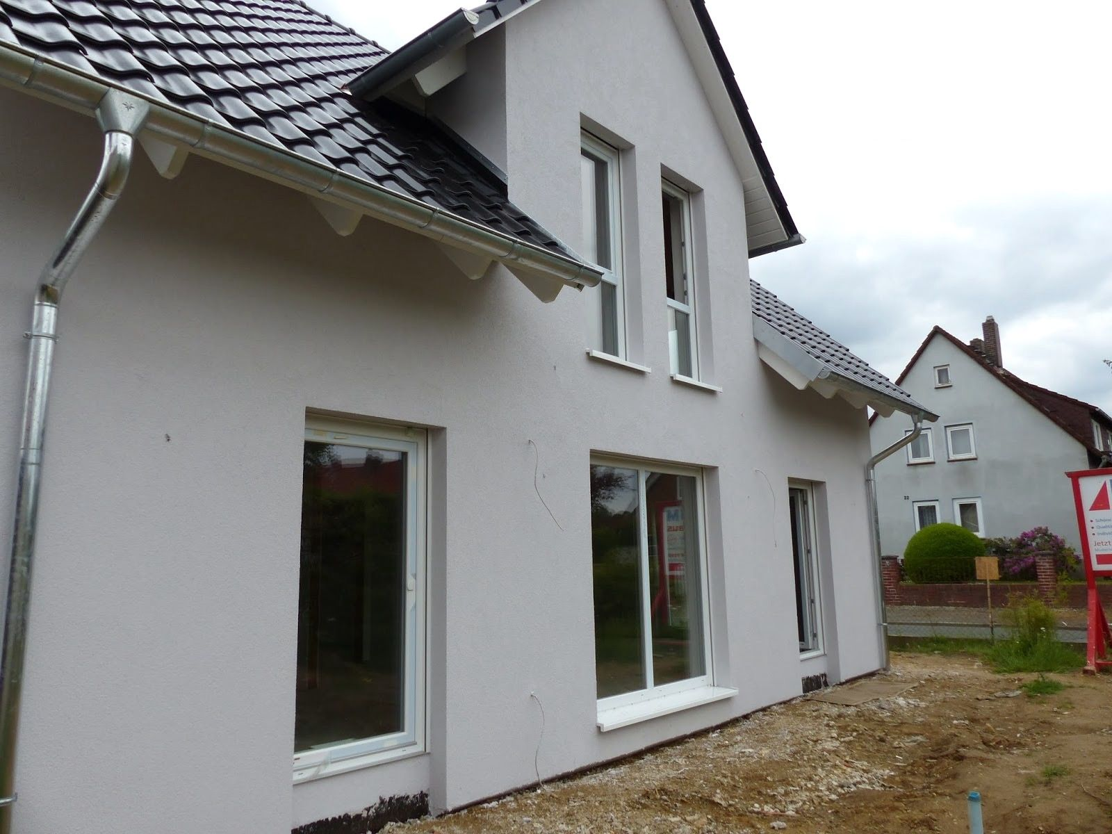 Uncategorized:Kleines Haus Grau Weiss Ebenfalls Haus Grau Wei Verlockend  Auf Moderne Deko Ideen Oder