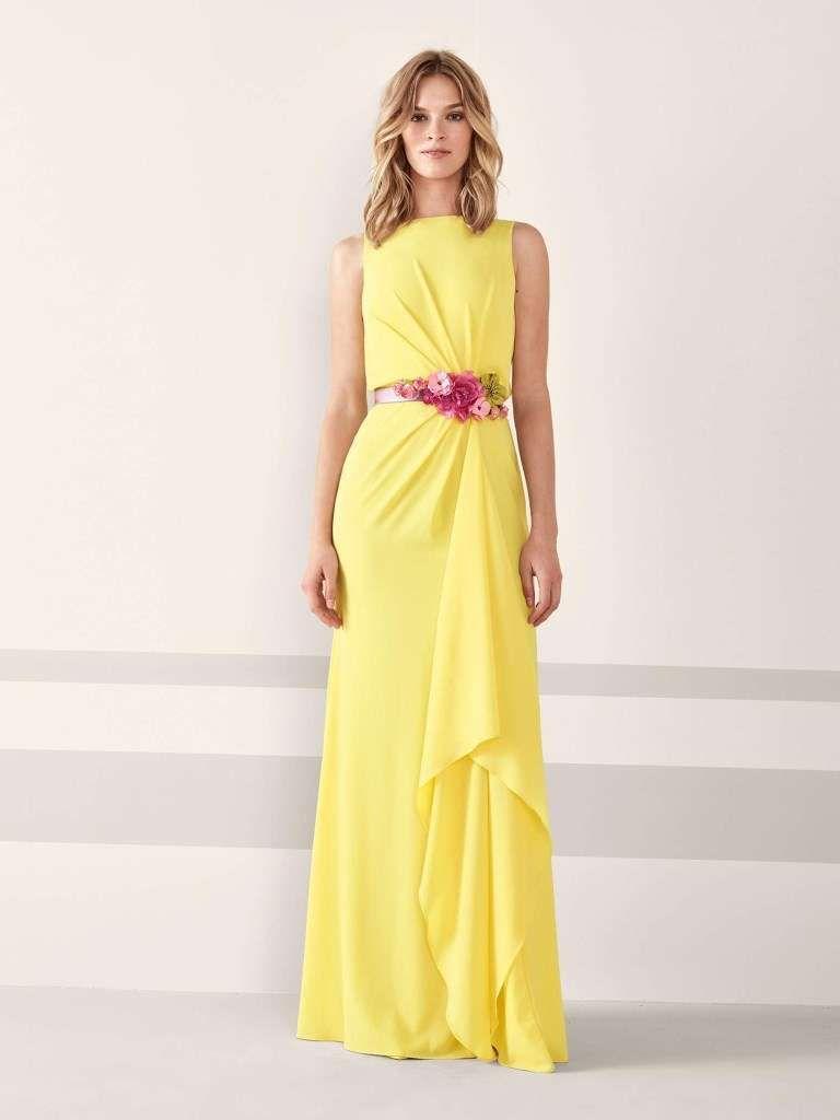 Abito giallo con fiori Pronovias  39cd1083f08