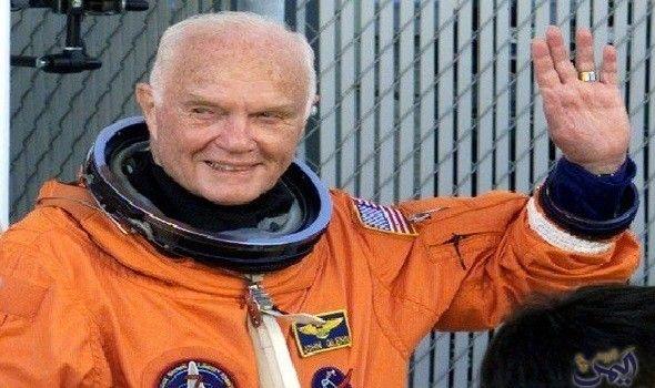 وفاة جون جلين أول رائد فضاء أمريكي يدور حول الأرض Thumbs Up