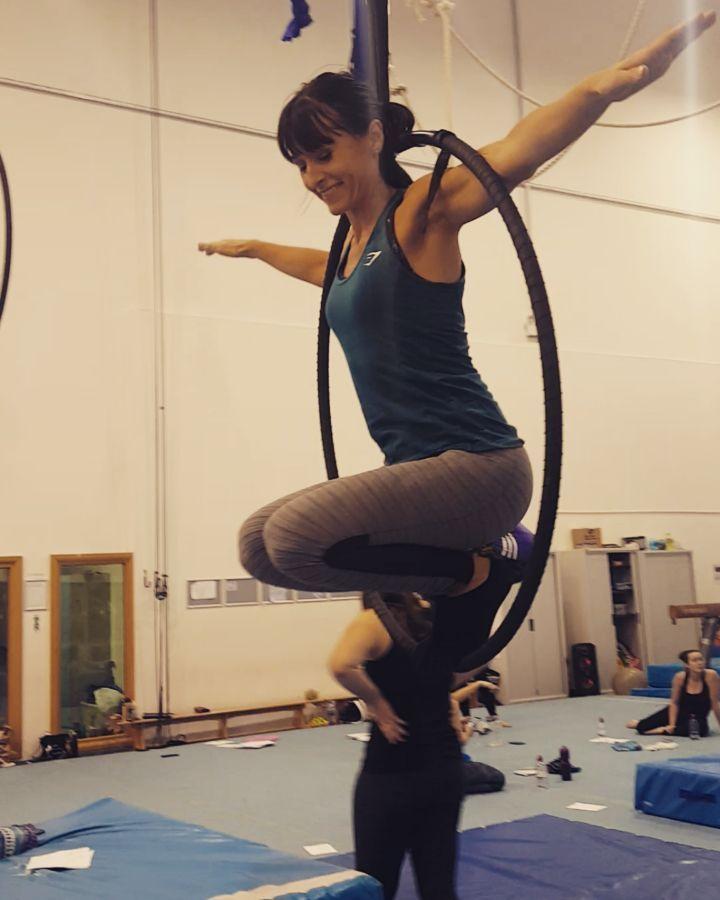 A nice little hoop routine from our last circuit ✌  #hoop #aerial #aerialacrobatics #a...