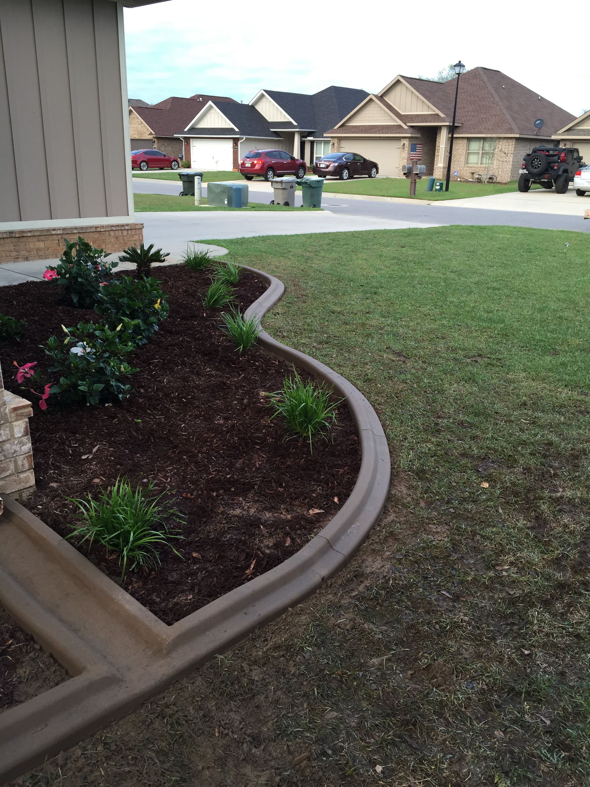 Concrete Patio Edge Ideas: Mowers Edge With A Splash Block Added In. Awesome