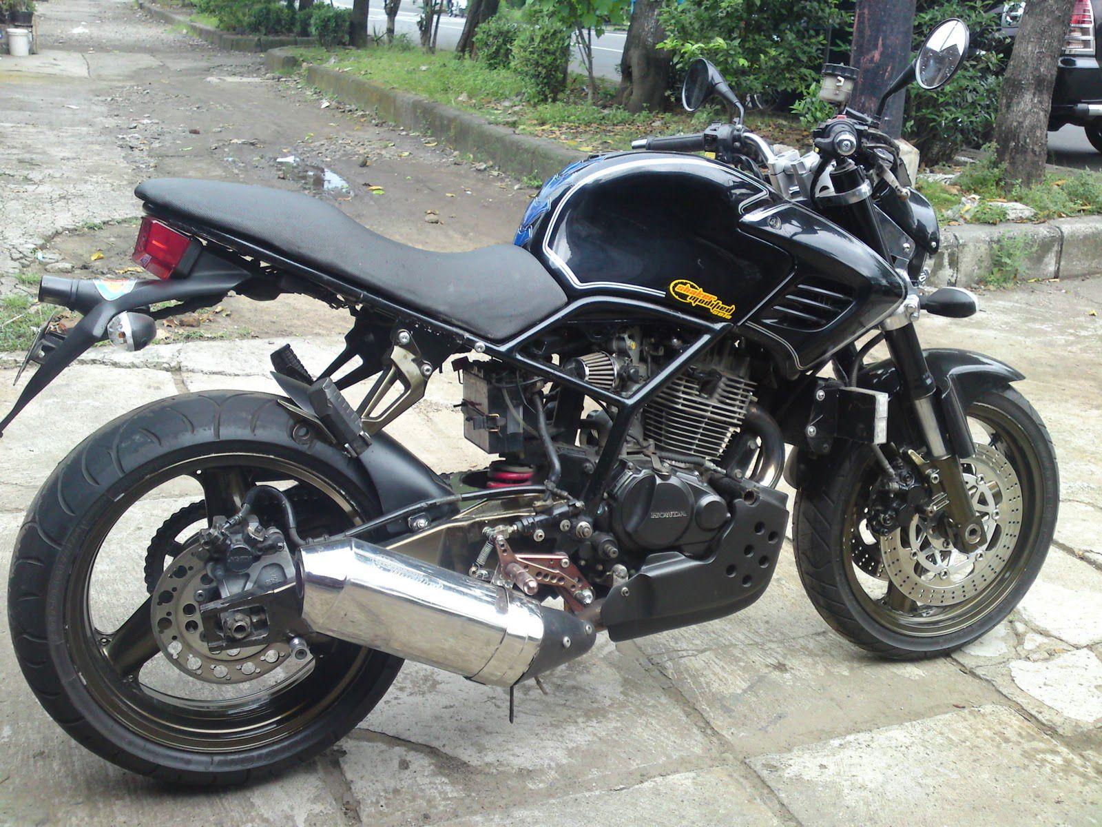 Modifkasi Motor Honda Tiger Dengan Rangka Dan Jok Custom