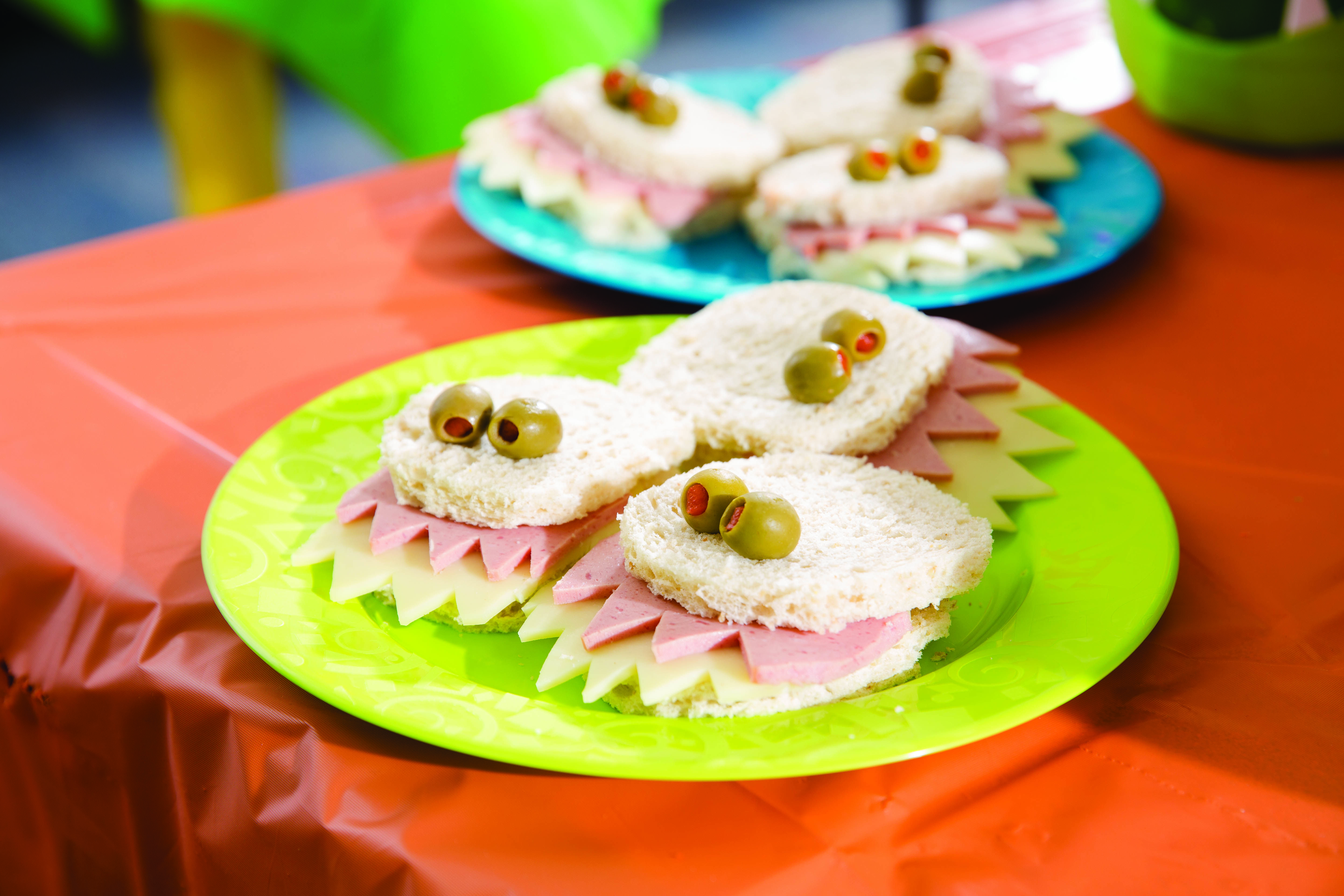Serve Funny Finger Food Prepare Simple Turkey Or Ham And Cheese