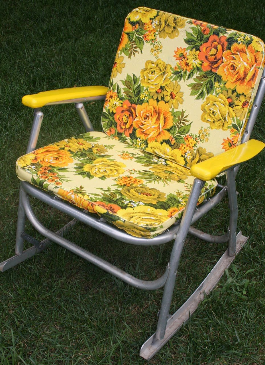 1970 S Metal And Plastic Rocking Chair With Foam Pads