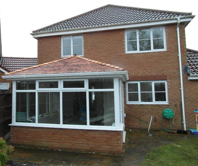 Conservatory Roof Idea Alan Wood Uses Western Red Cedar Shingles For The Weight Factor Over Other Materials Su Cedar Shingle Roof Cedar Shingles Cedar Roof