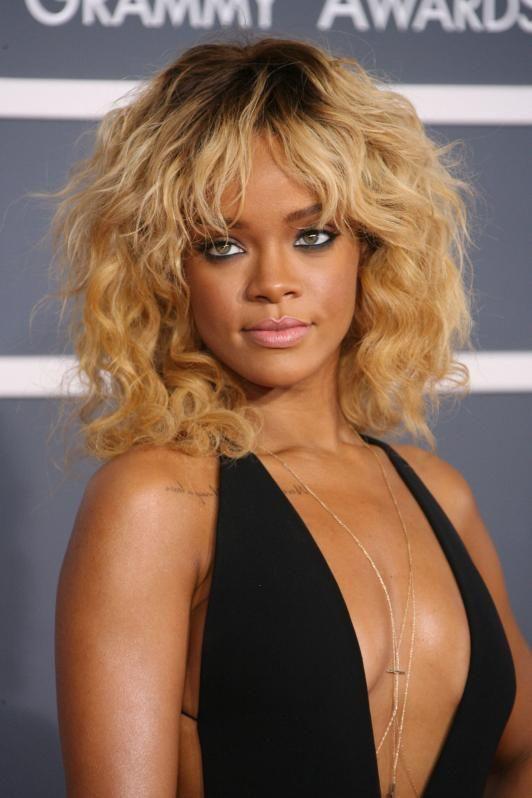 Rihanna Is A 70s Rock N Roll Bombshell Rihanna Blonde Hair