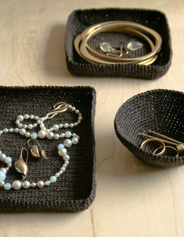 DIY: crocheted jewelry dishes