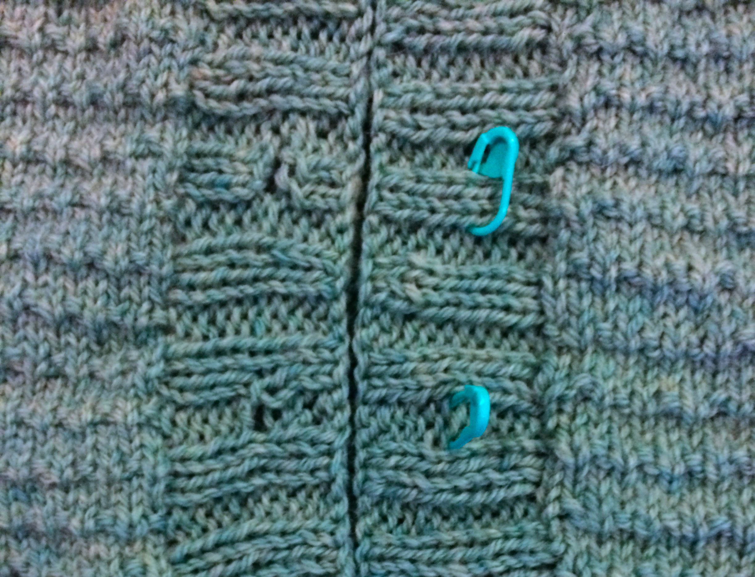 Buttons button bands buttonholes a knitters guide