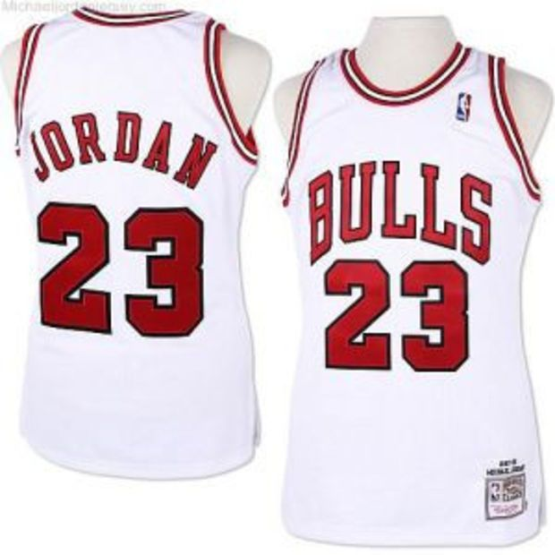 buy popular f635d 3889c Chicago Bulls Michael Jordan Throwback #23 Home Jersey ...