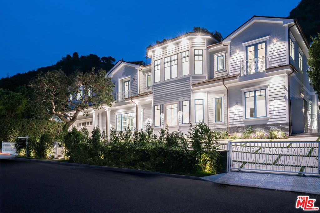 930 Roscomare Rd Los Angeles Ca 90077 Mls 19432362 Mansions Luxury House Exterior Zillow