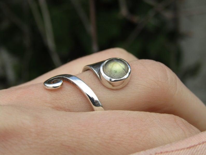 Adjustable Labradortie Ring in Sterling Silver