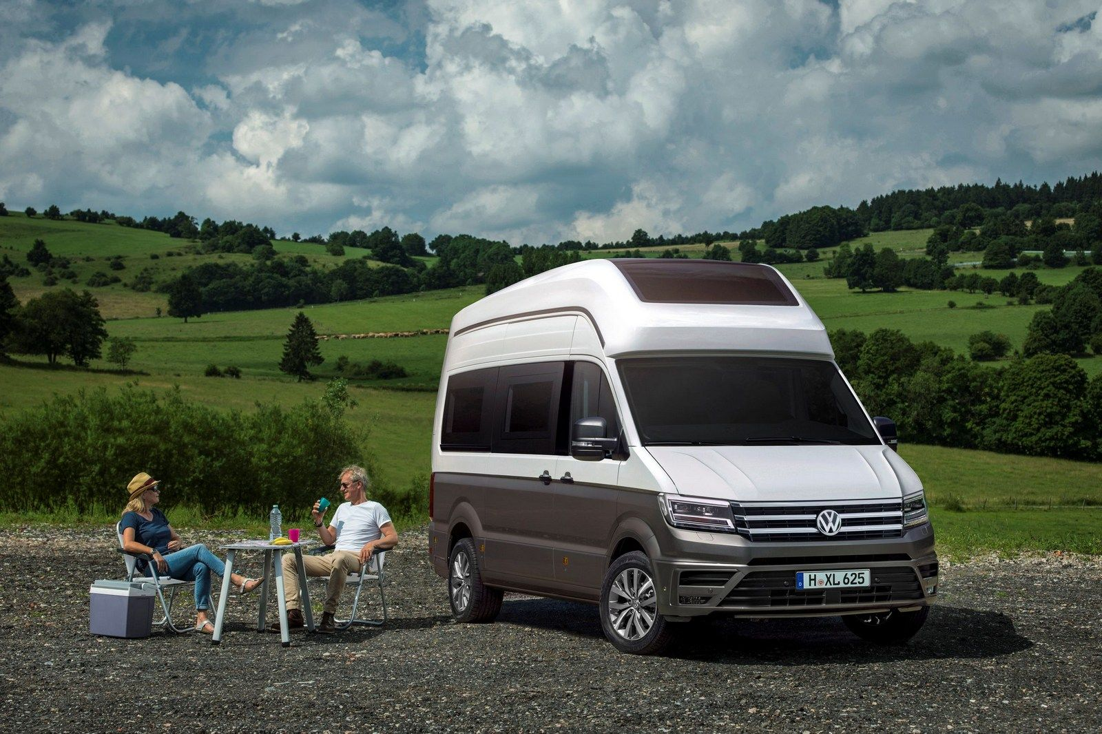 Vw california xxl concept previews a crafter based motorhome