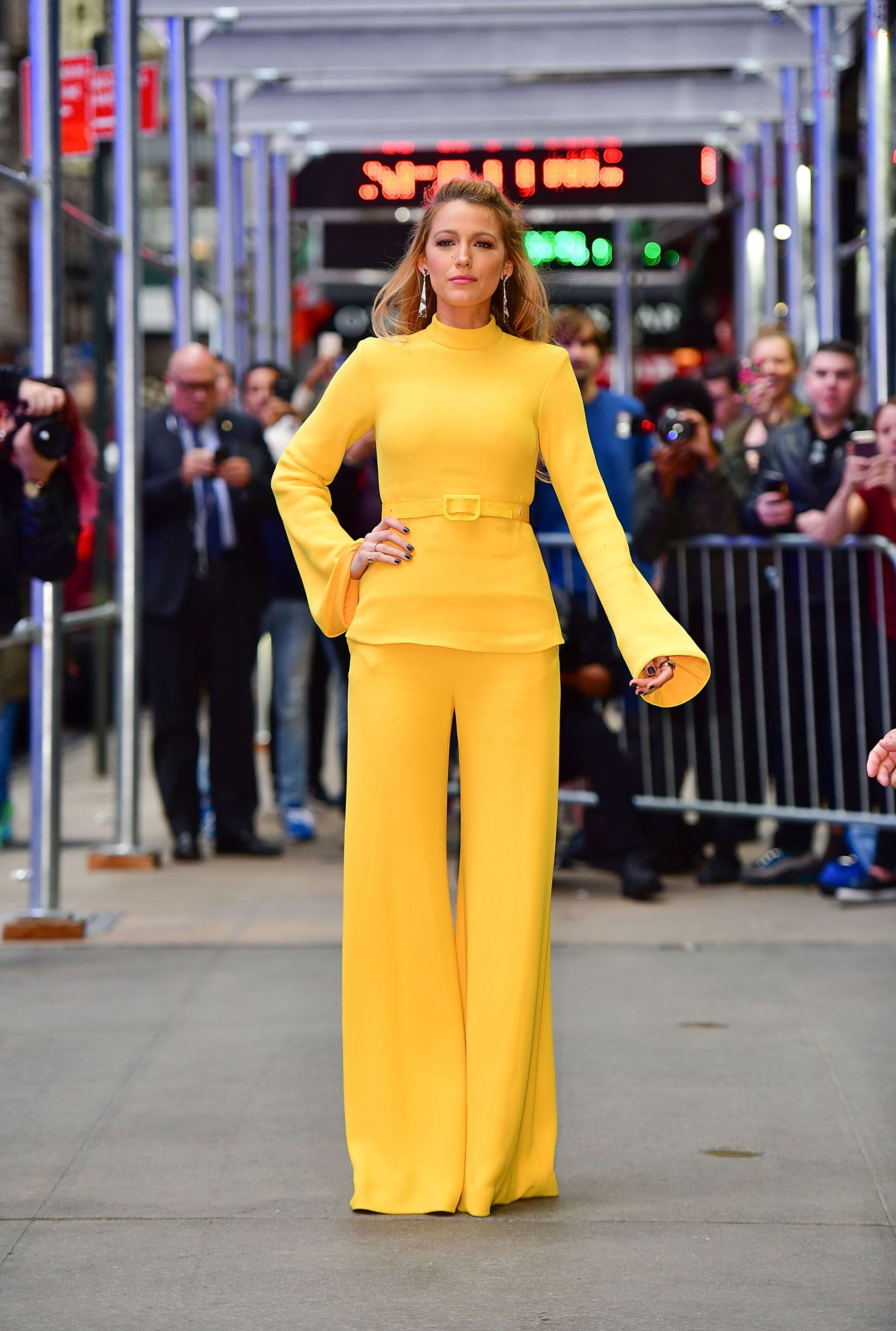 Nicole Kidman Stuns In A Velvet Dress And Blake Lively Masters