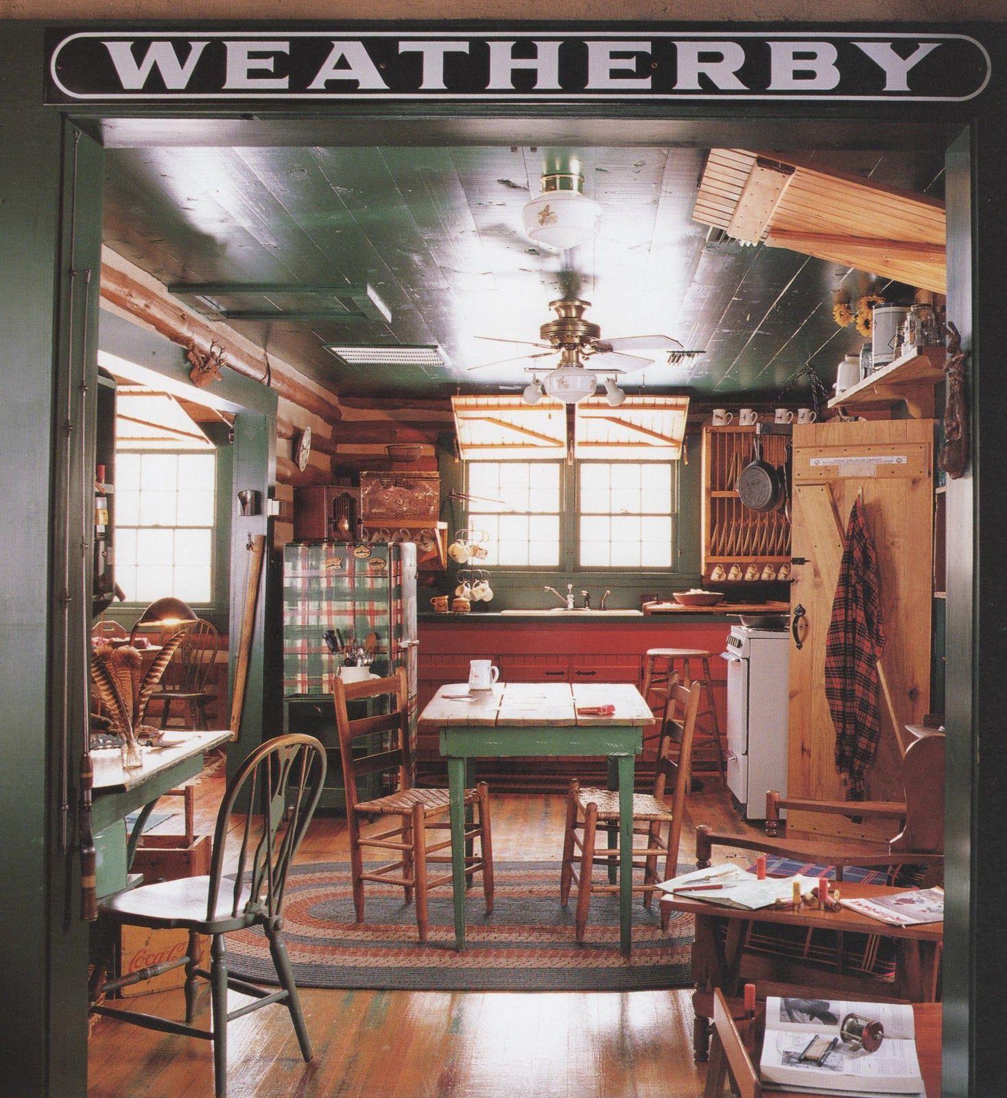 Beautiful Lake House Decor Inspiration: Vintage Cottage Kitchen Inspiration. Love The Area Rug