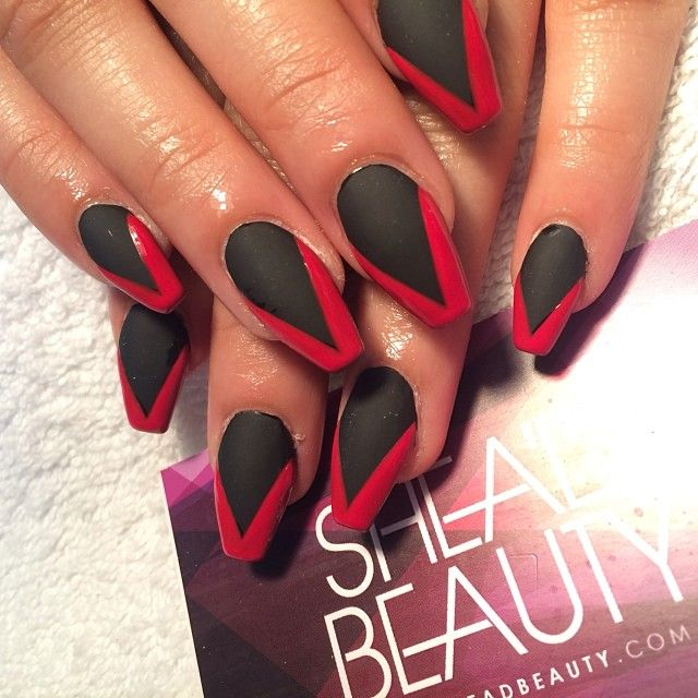 Only Pinning For The Nail Shape With Images Black Coffin Nails