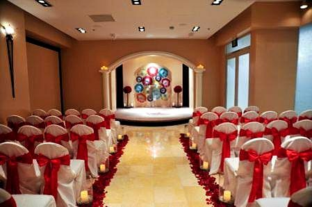 Red Wedding The Chapel At Planet Hollywood Caesars WeddingWedding ChapelsLas Vegas