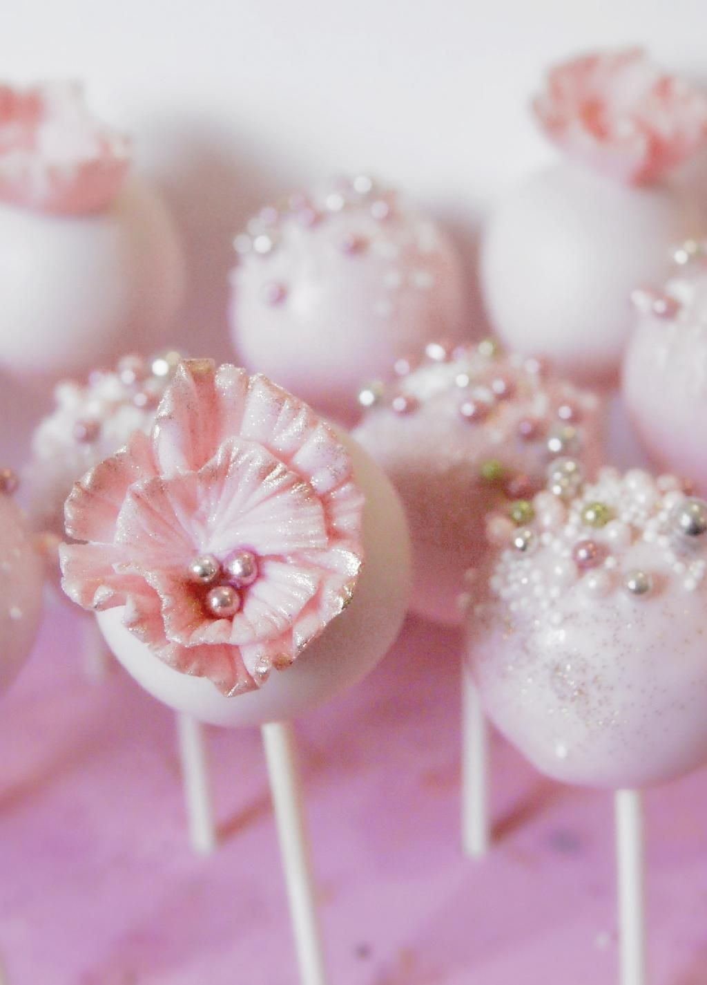 Pearly cake pops so ornate and pretty beautiful cupcakes and