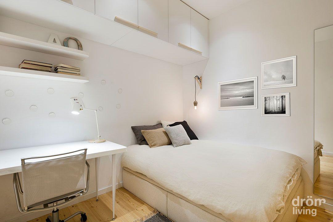Dormitorio juvenil en blanco y madera de pino for Decoracion dormitorios juveniles masculinos